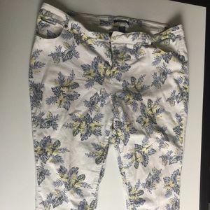 Clearance $7 Plus Size Floral 3/4 Jeans